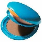Shiseido Kompaktní voděodolný pudr SPF 30 (UV Protective Compact SPF30 Foundation) 12 g Odstín Dark Beige woman